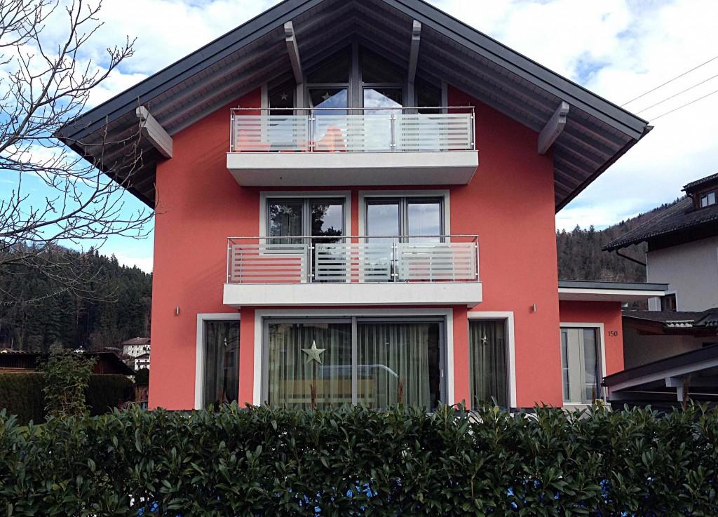 balkonverglasung mit satinatofolien-muster